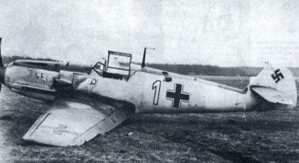 1-Bf-109E3-1.JG2-W1-Otto-Bertram-crash-landing-France-1940-01