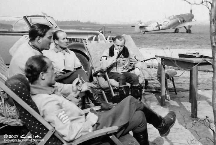 BF-109-E4-Stab-III.JG-53-Olt.-Tutti-Muller-Chevron-O-Le-Touquet-Etaples-France-September-1940